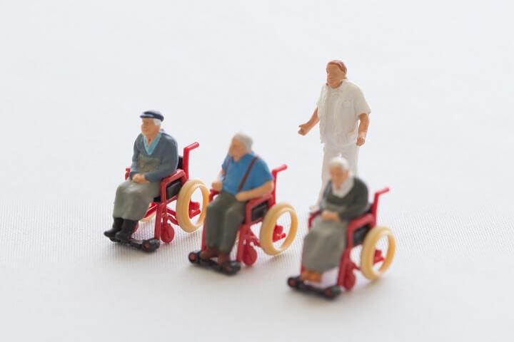 介護者不足のイメージ